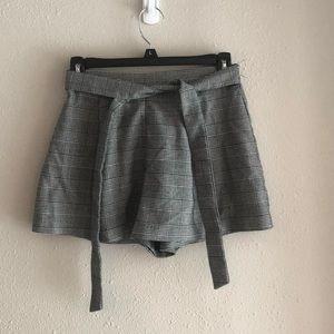 Forever 21 Plaid Glen Plaid Shorts. Size Small